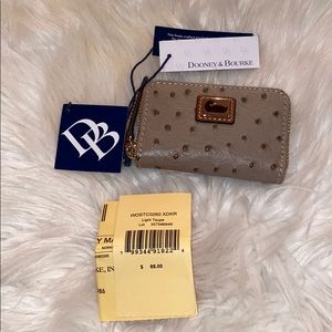NWT Dooney and Bourke card holder